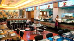 n010064_2017dec15_new-york-hotel-parkside-diner_16-9