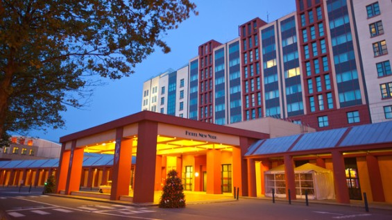 n015599_2020oct01_new-york-hotel-outside_16-9