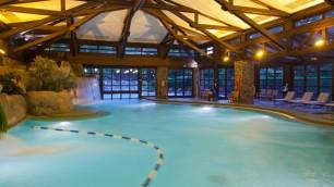 n015677_2020oct01_sequoia-lodge-hotel-swimming-pool_16-9